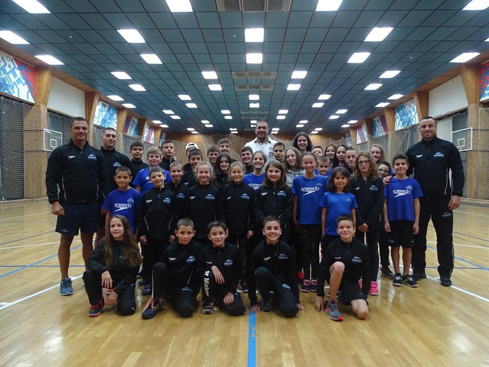 На 27.08Кубрат Пулев се срещна с децата на НСК Олимп
